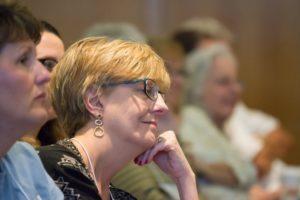 Glen Workshop Bob Denst woman in crowd (2)